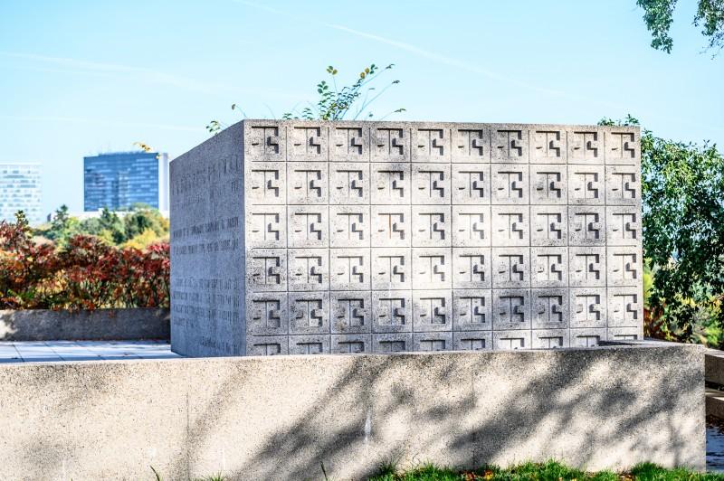 lcto-monument-robert-schuman-inet-marc-lazzarini-standart-124-of-139-127-131